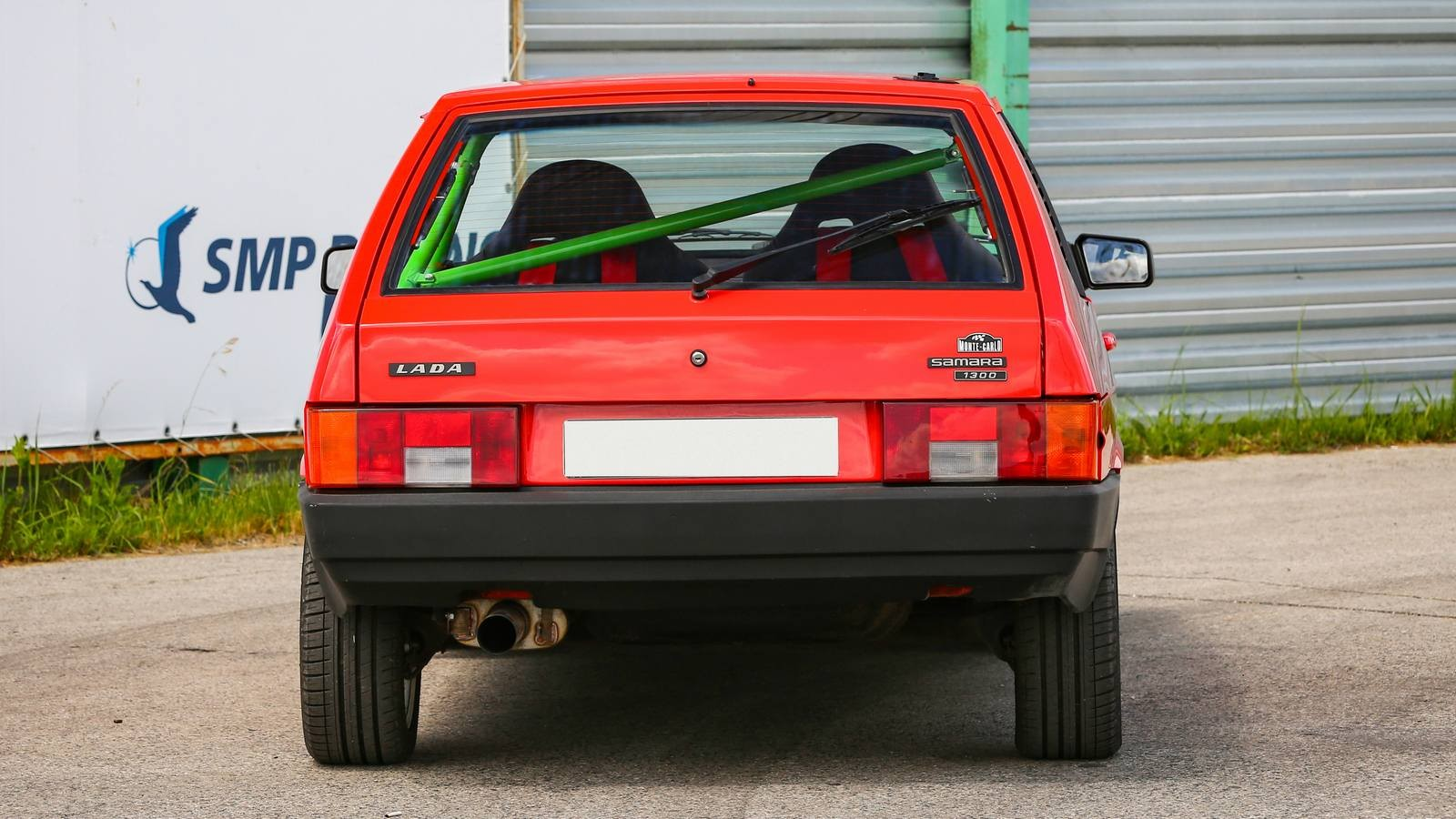 Есть в ней что-то от Ferrari: тюнинг 450-сильного ВАЗ-2108