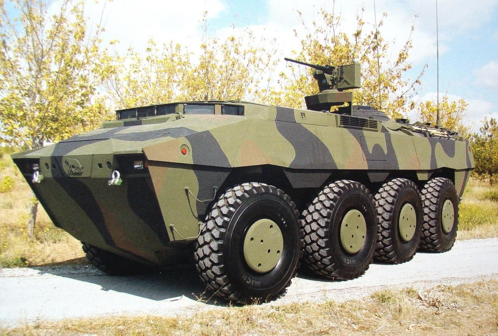 Шасси Pars 8х8 с дистанционно управляемым пулеметным модулем
