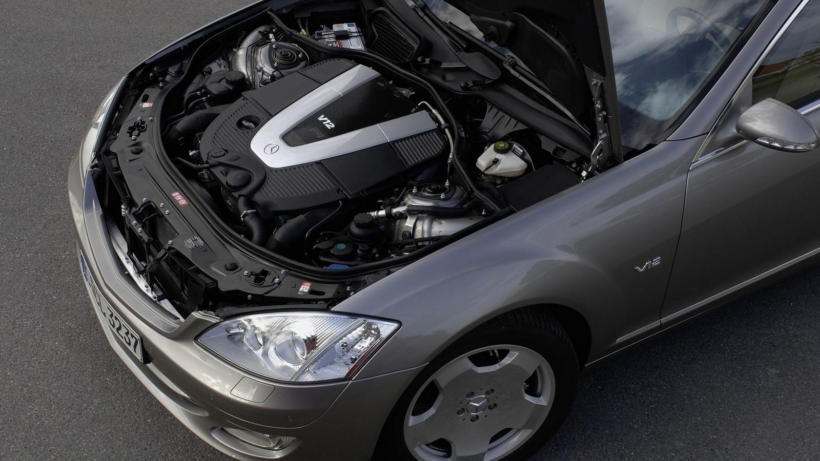 Под капотом Mercedes-Benz S 600 (W221) '2005–09