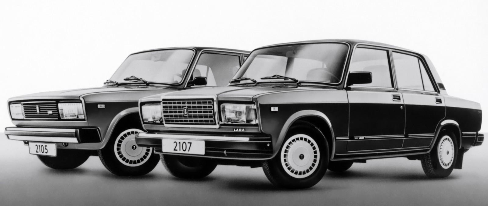 На фото: ВАЗ-2105 и ВАЗ-2107