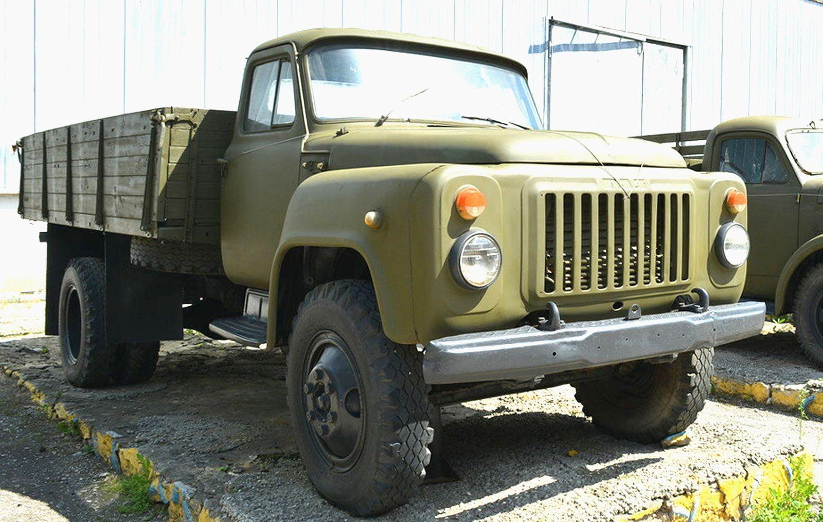 ГАЗ-3301, ЗИЛ-4334, МАЗ-6317 и другие: малоизвестные военные грузовики позднего СССР