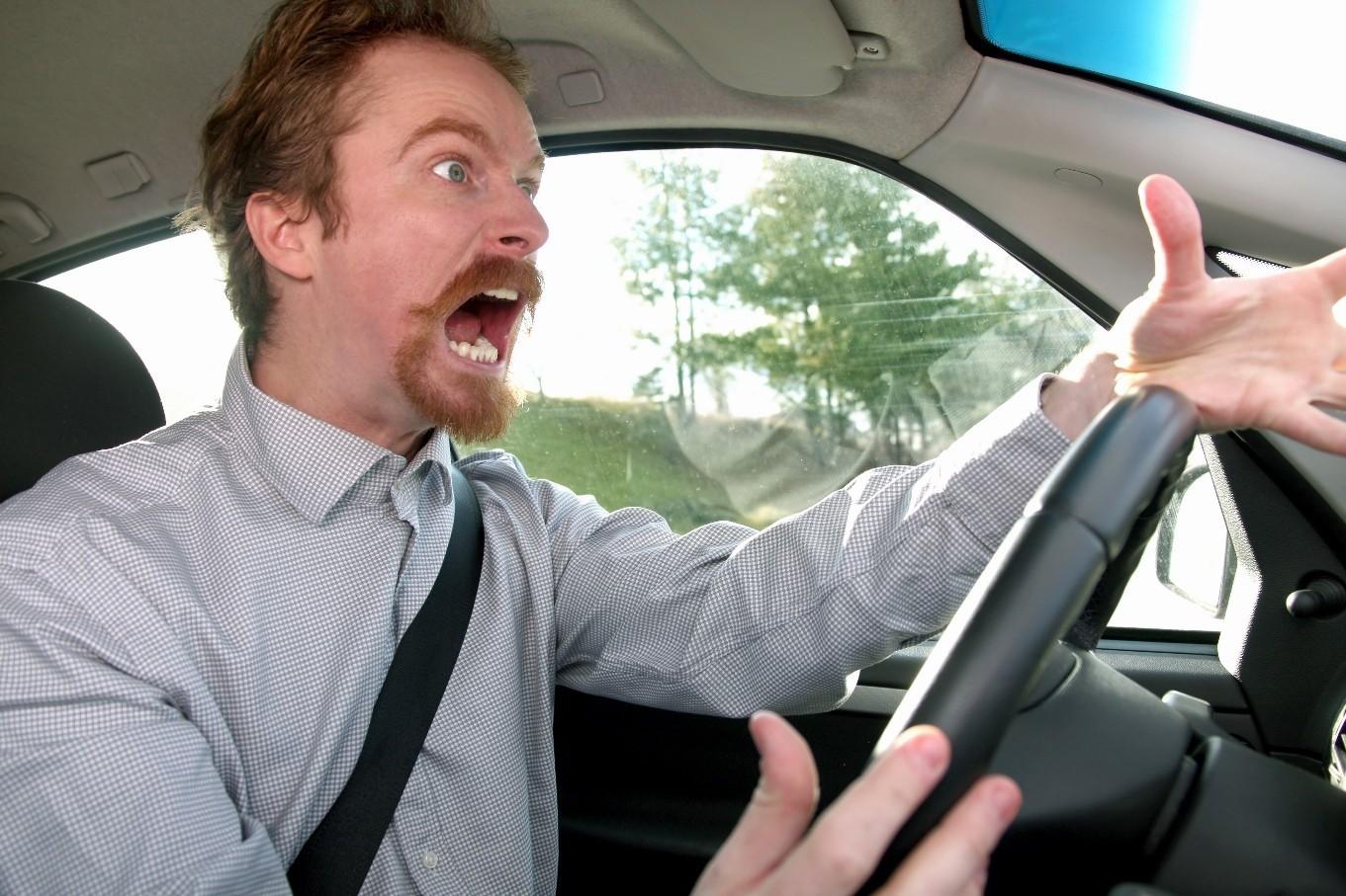 Агрессивный водитель. Фото depositphotos.com