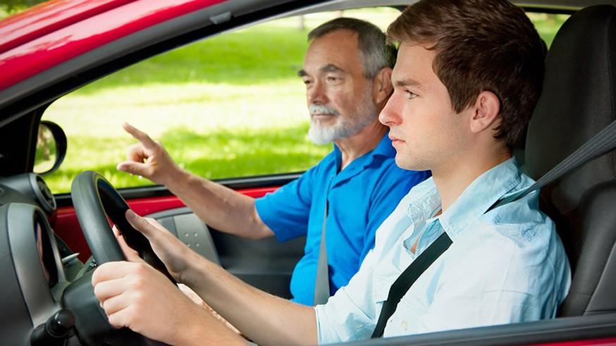 Скоростное образование: учеников автошкол хотят пустить на автомагистрали