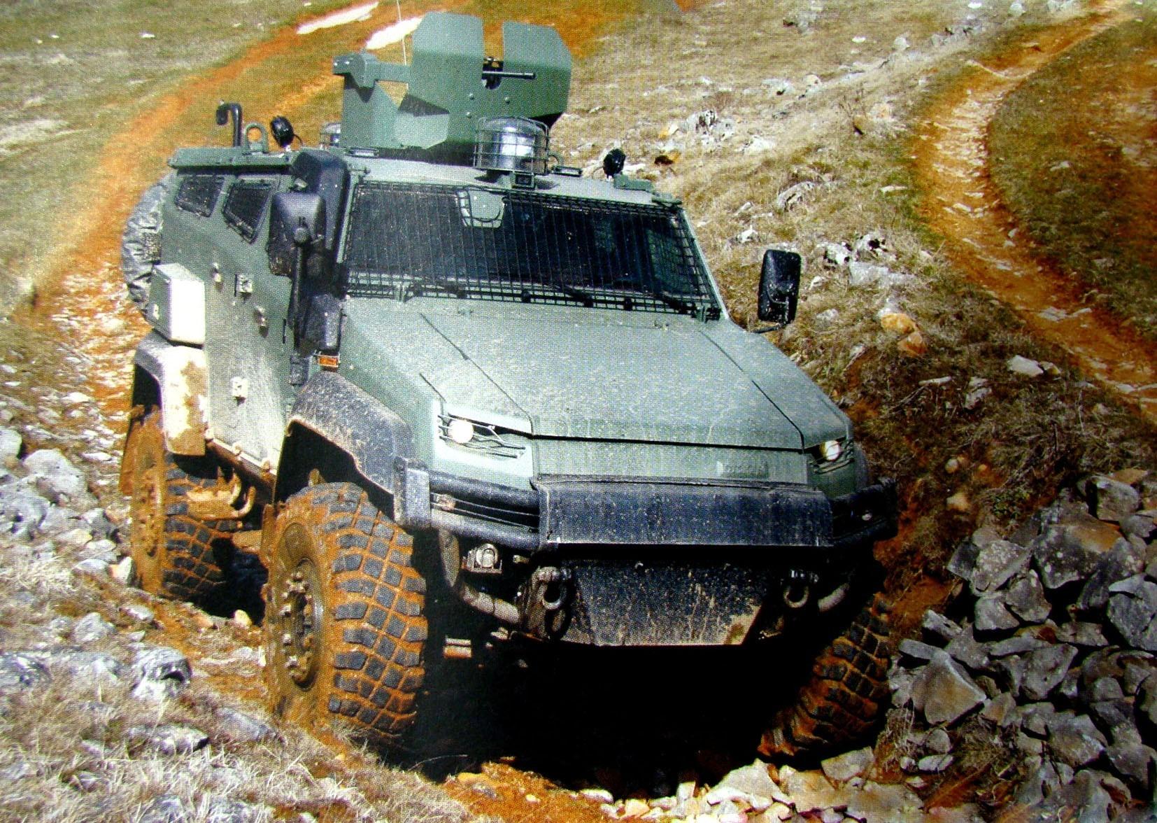 Испытания новой машины Otokar Ural с открытой пулеметной башней