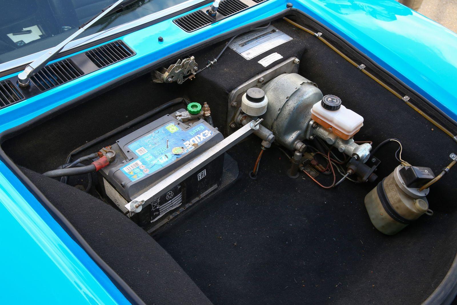 Безумная эргономика, два багажника и «грузовой» расход: опыт владения De Tomaso Pantera