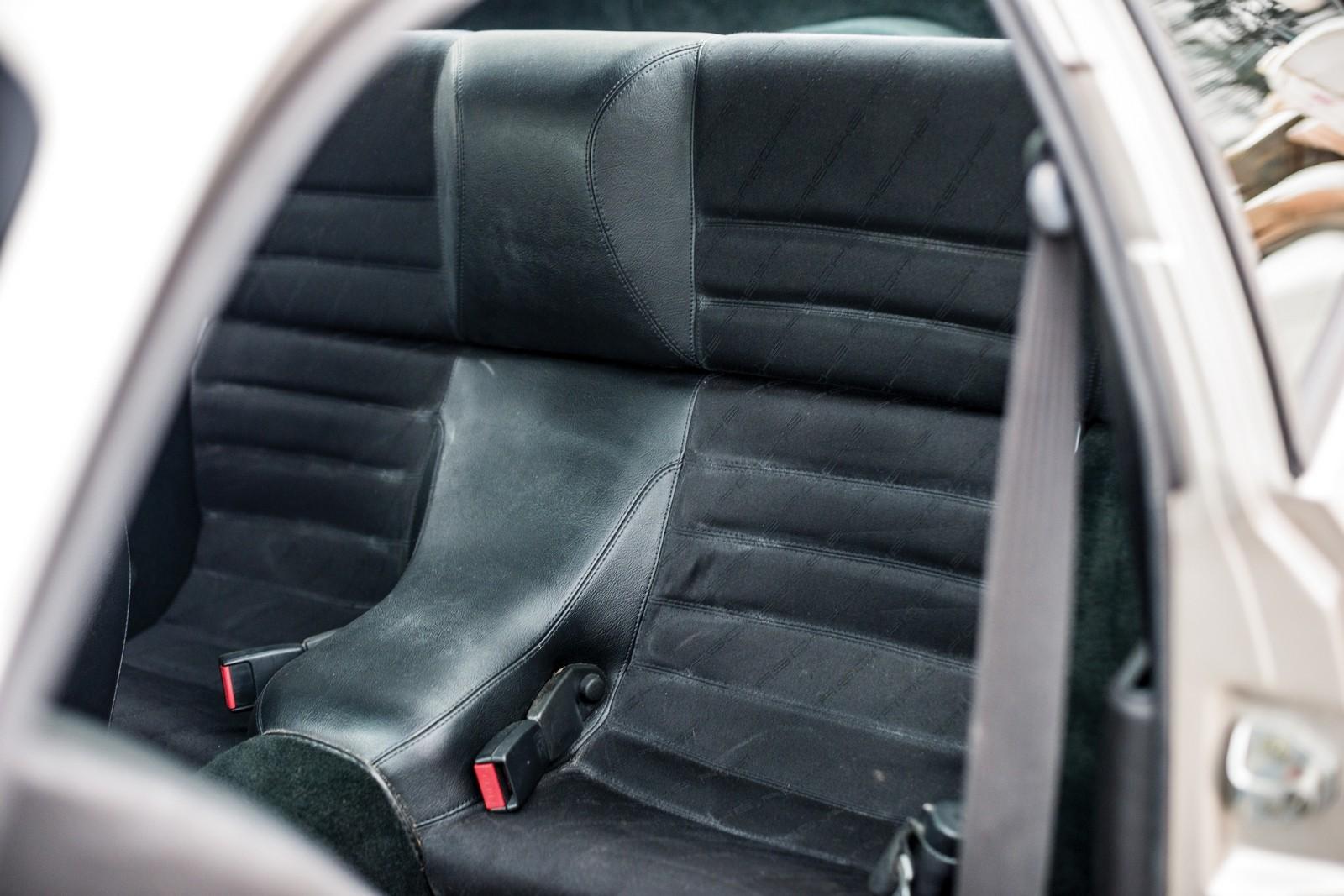 porsche 924 задние сидения