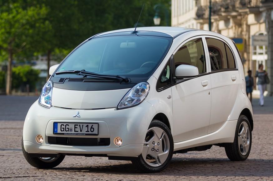 Чтобы не поднимать цены: пошлины на ввоз «зелёных» автомобилей в Россию обнулят в начале мая