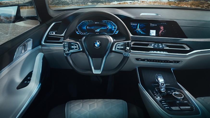 BMW продолжает разработку нового флагманского кроссовера: «обычная» крыша и три ряда кресел