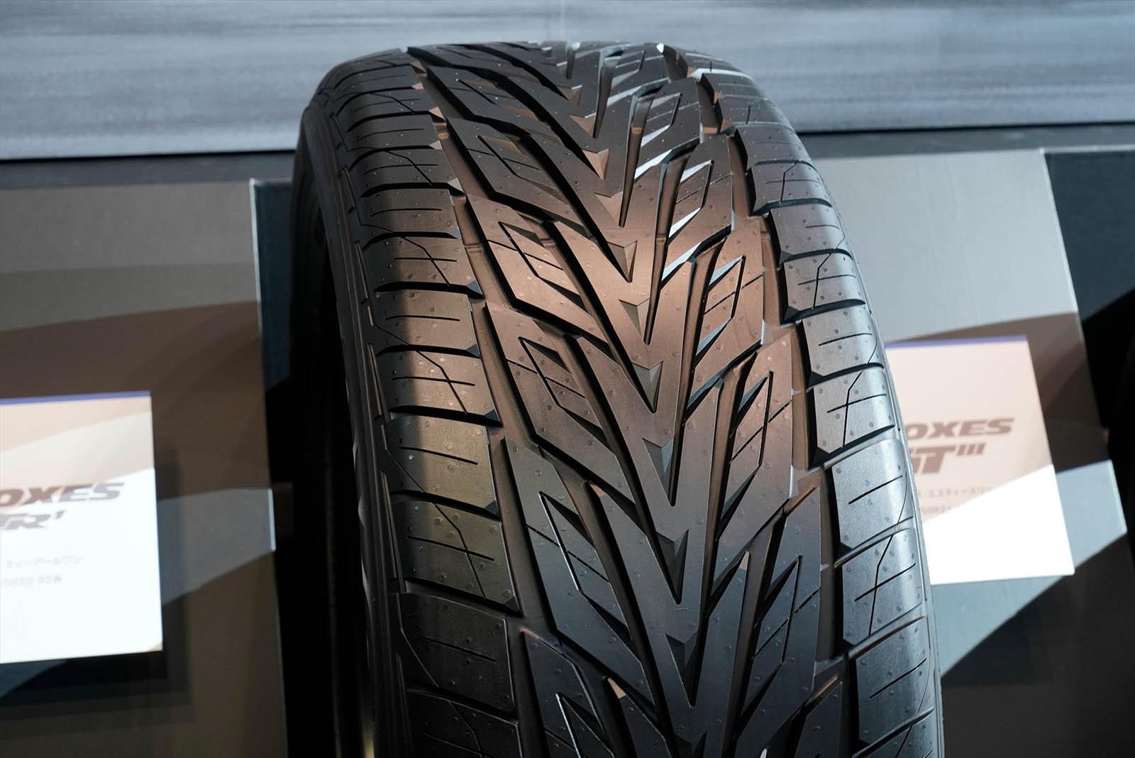 Апрель – пора менять шины на летние. Или нет? Разбираемся в нюансах вместе с Toyo Tires
