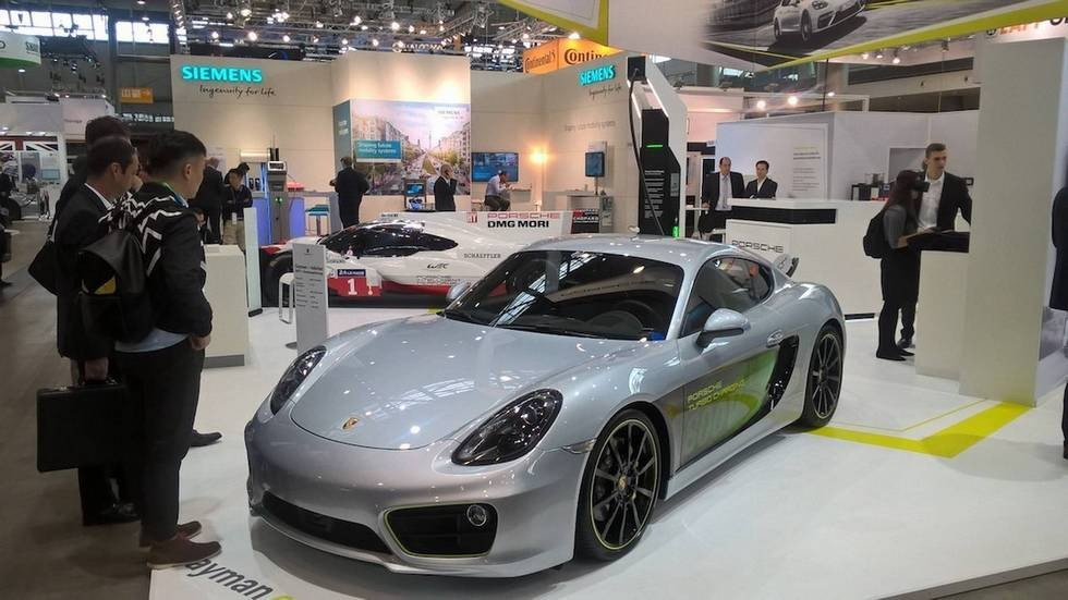 porsche-cayman-e-volution