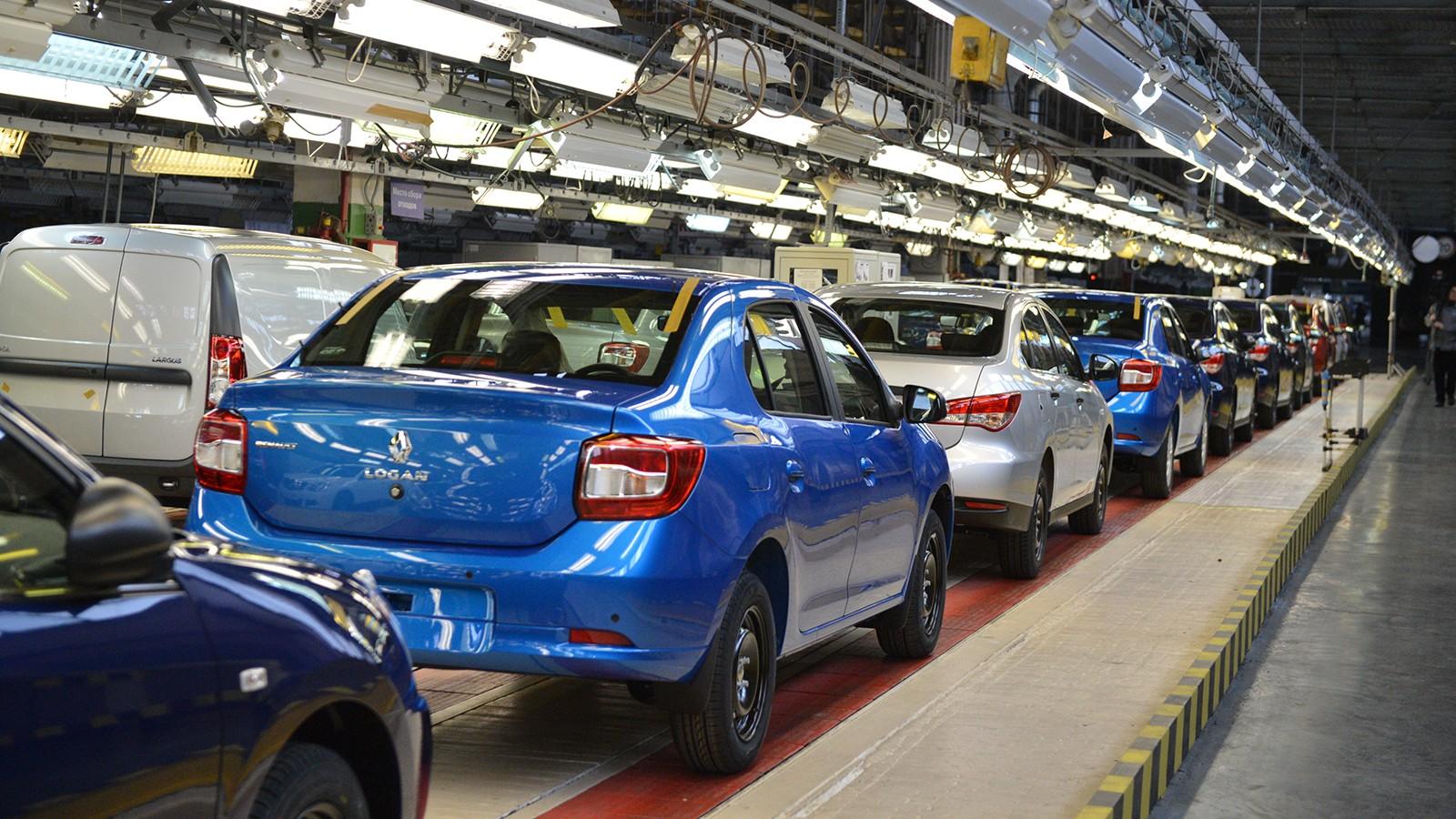 На фото: производство Renault Logan на АВТОВАЗе
