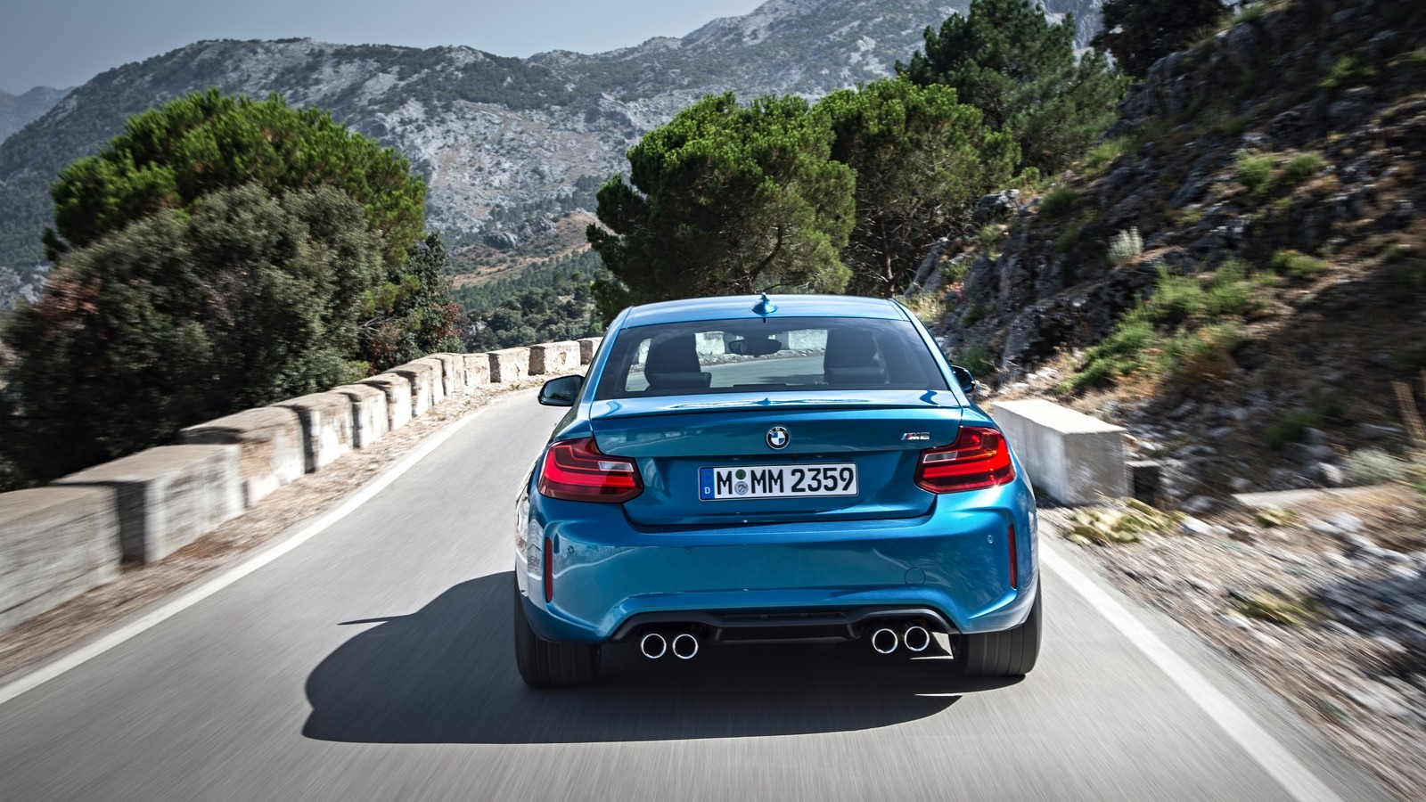 P90199690_highRes_the-new-bmw-m2-coupe