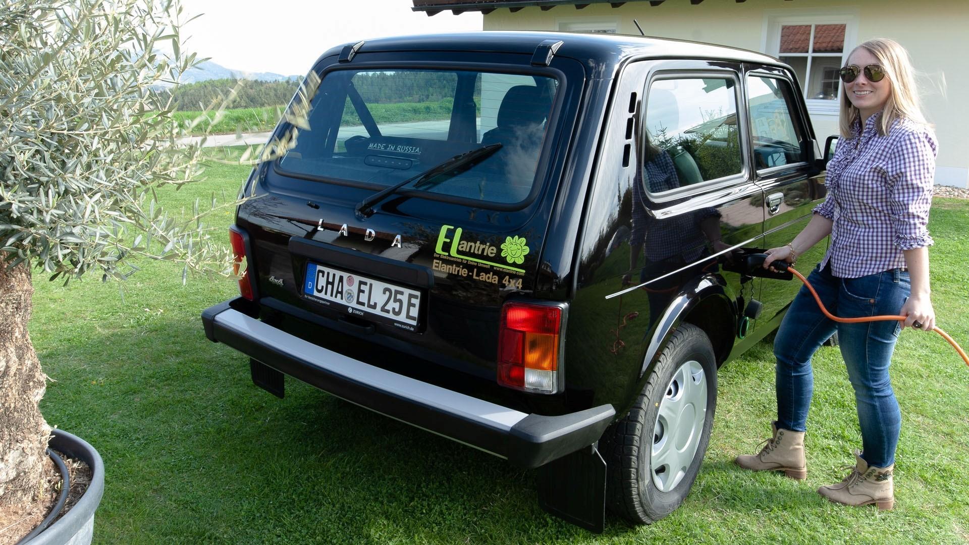 Бюджетный подход: Lada Niva превратилась в электромобиль, но часть ДВС у неё осталась!