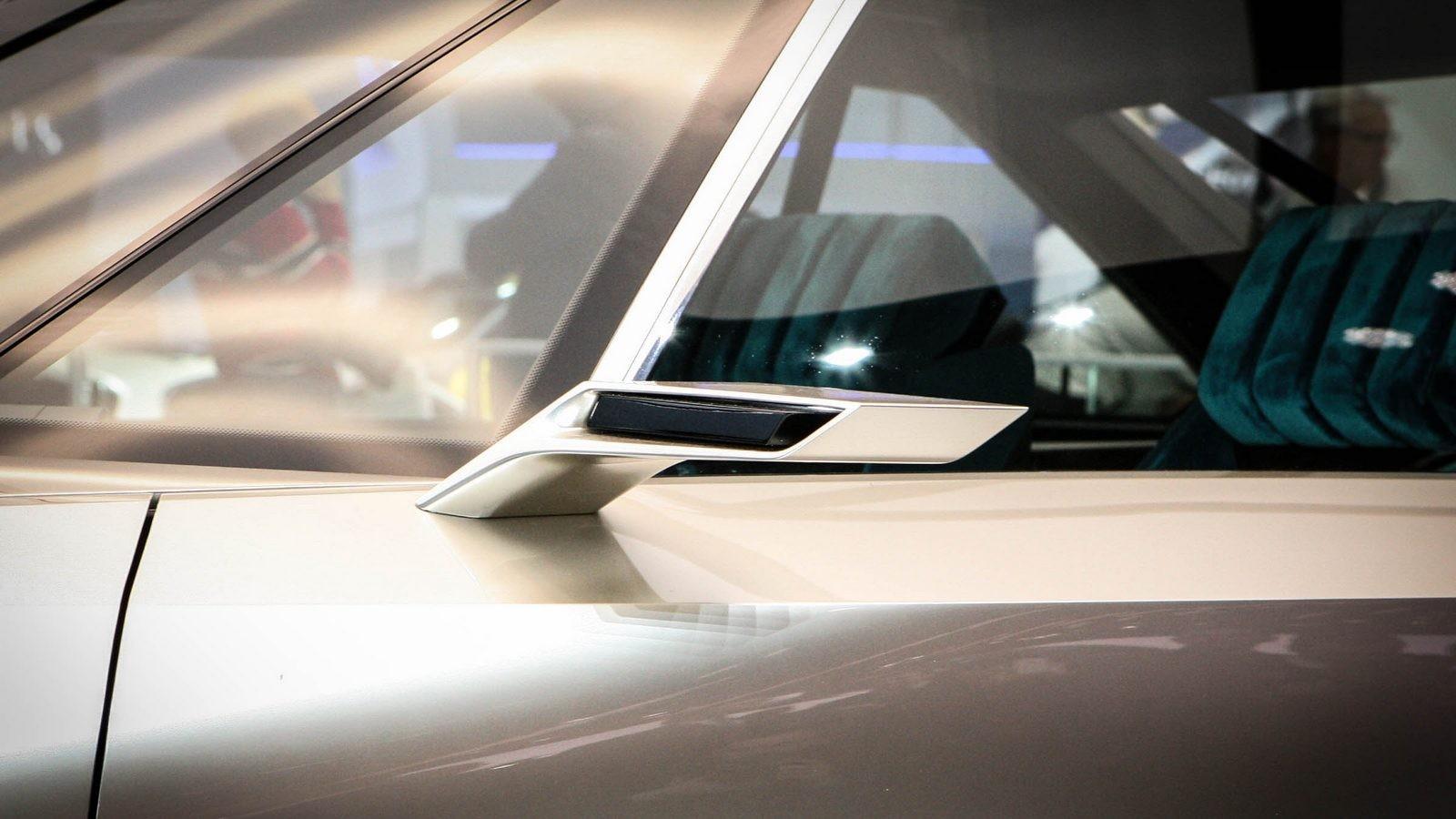 Peugeot e-Legend зеркало бокового вида