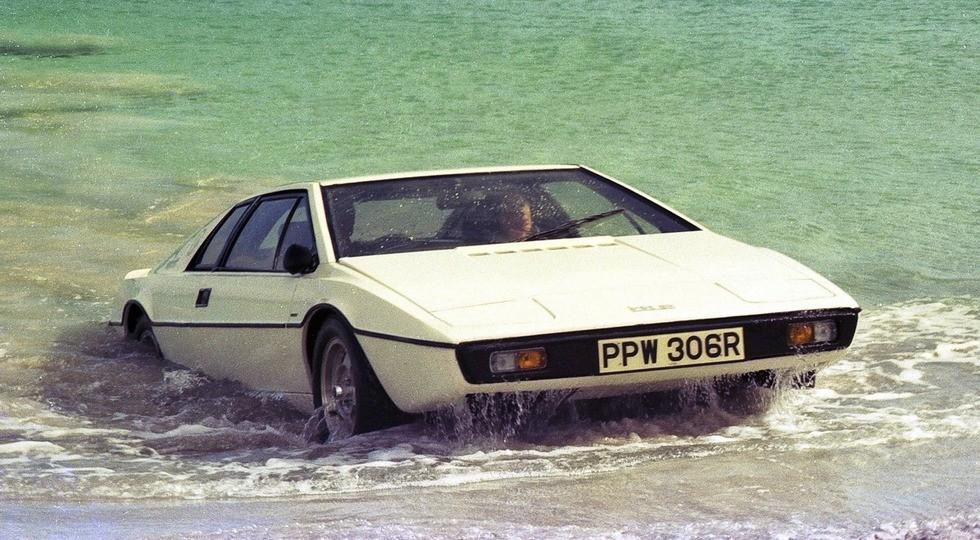 На фото: Lotus Esprit S1, кадр из фильма «Шпион, который меня любил» (1977 г.)