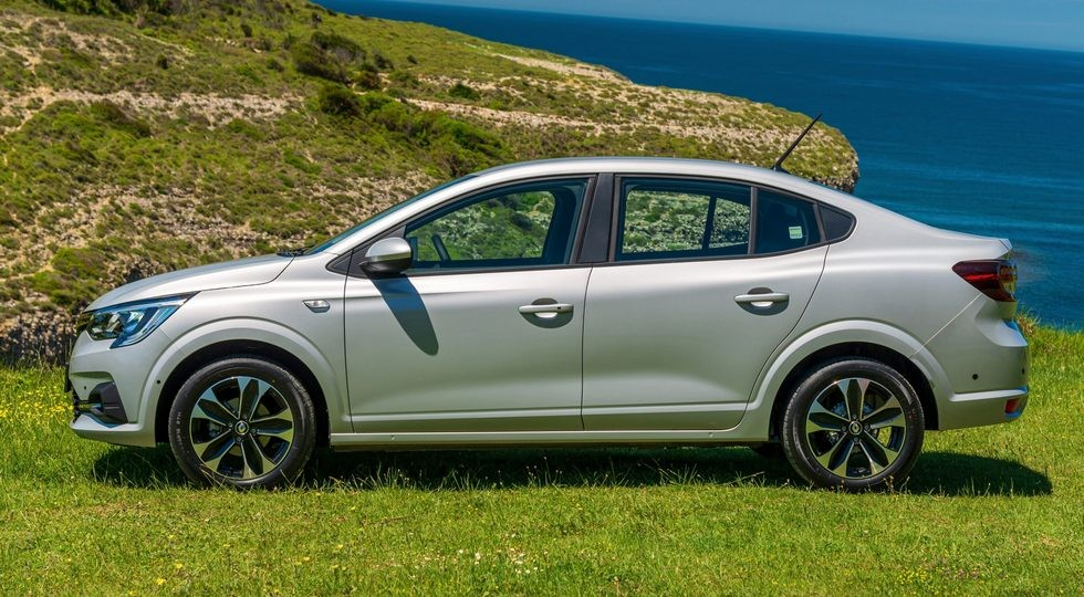 Преемник Renault Logan выходит на рынок: дизель седану Taliant так и не достался