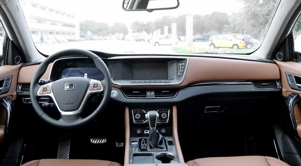 На фото: интерьер Zotye T600 Coupe