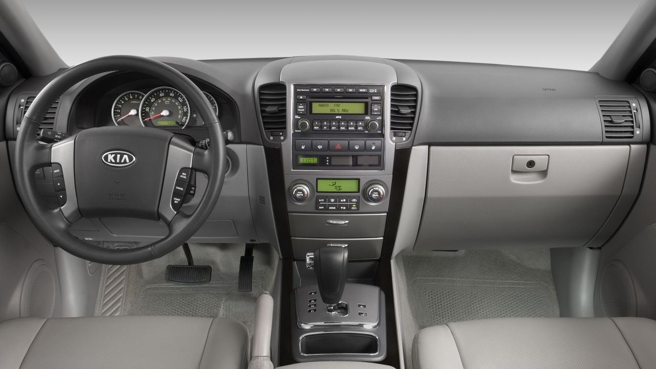 Салон Kia Sorento '2002–06 для рынка Северной Америки