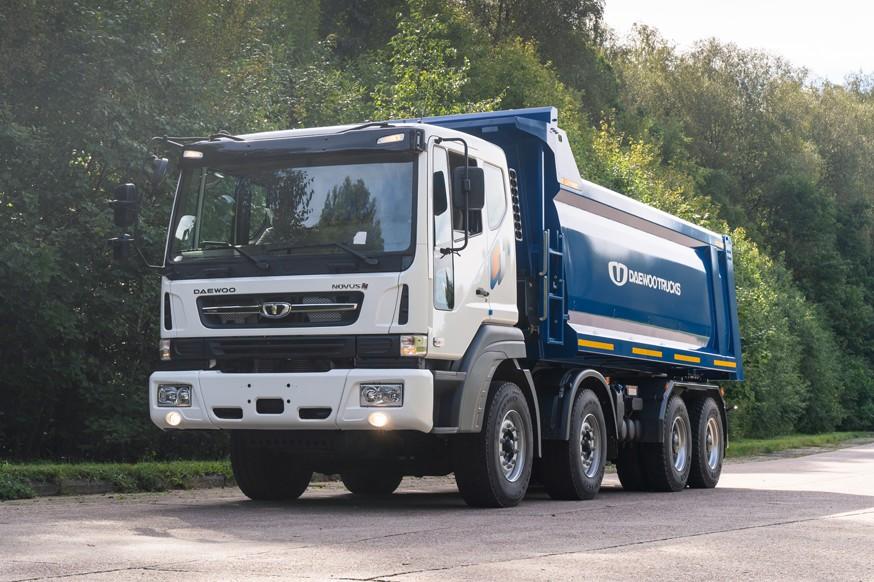 Daewoo Trucks начинает продажи новой модели в РФ: на рынок выходит самосвал 8x4 Novus