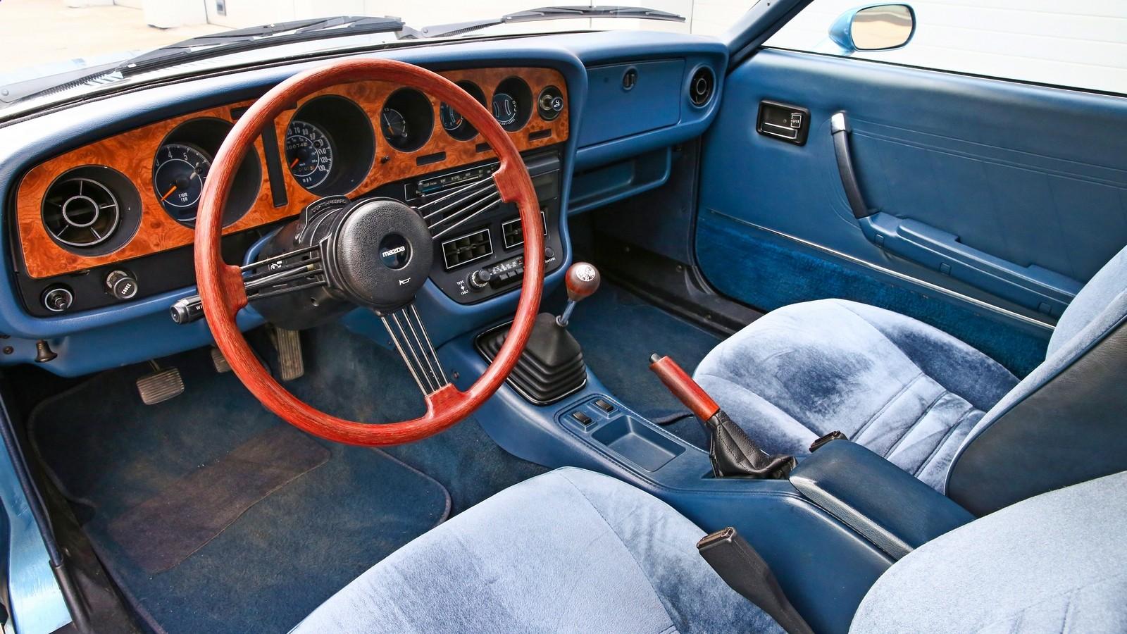 Mazda RX-5 салон