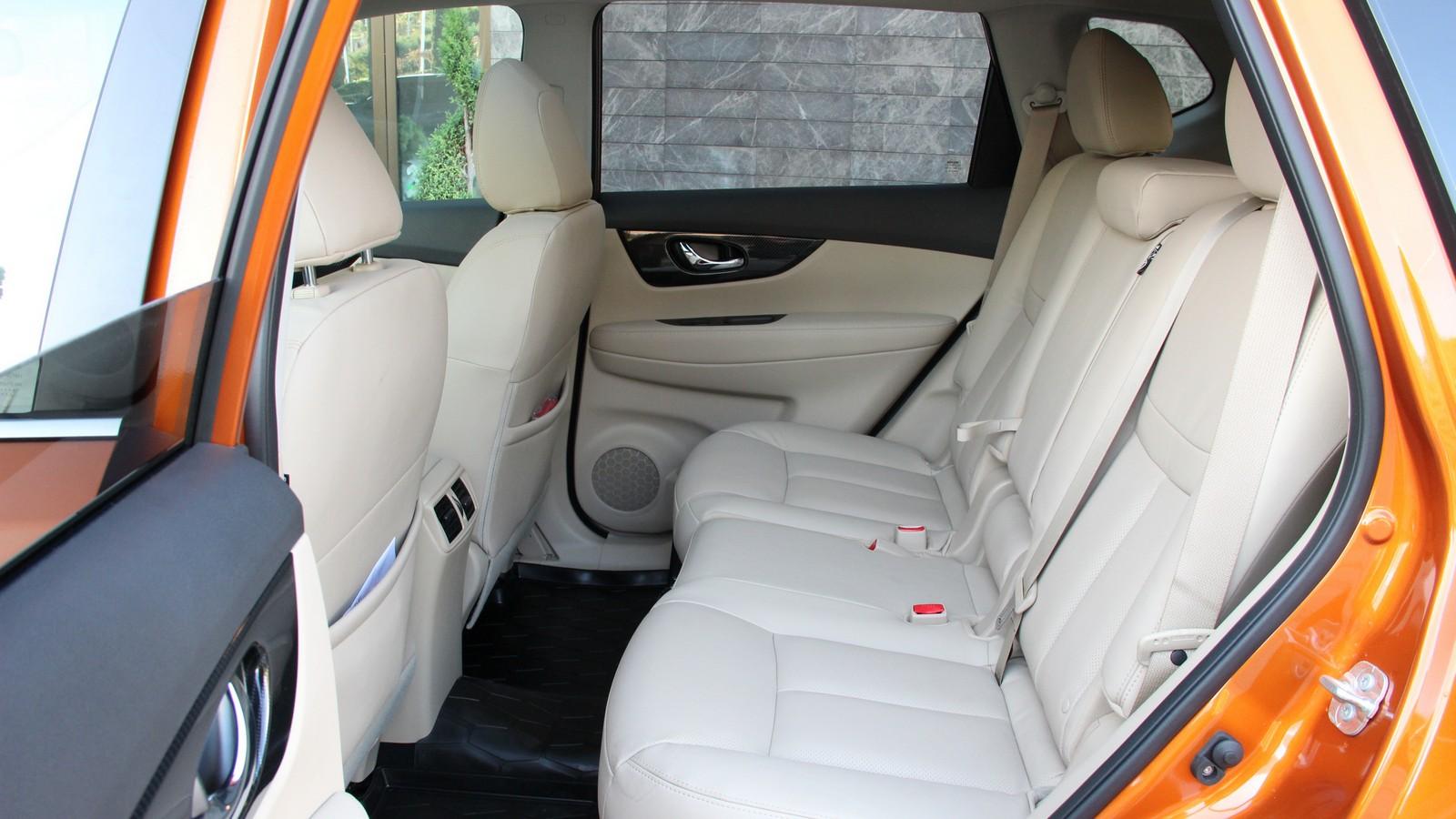Nissan X-trail задние сидения