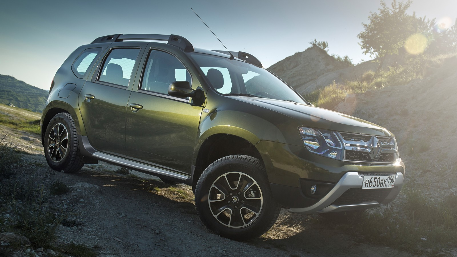 На фото: Renault Duster