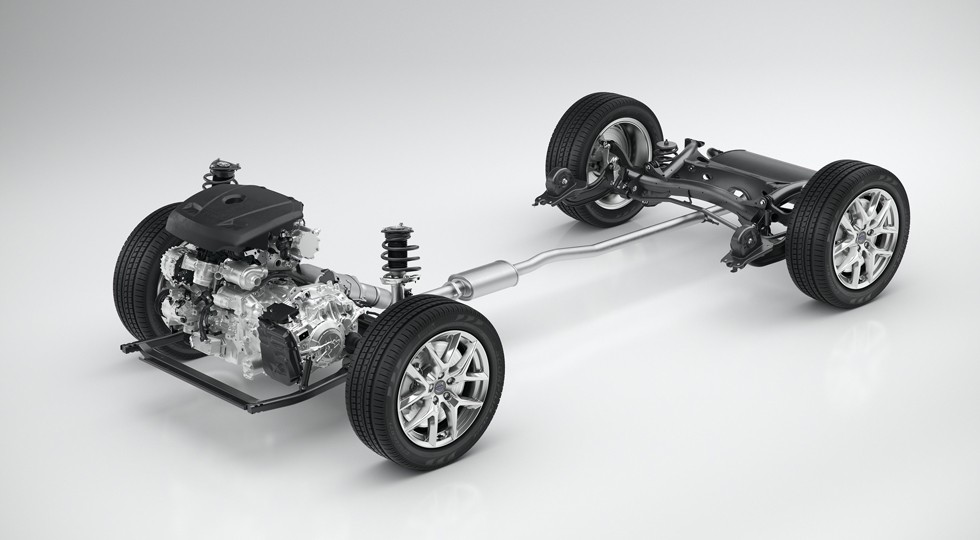 CMA with 4-cylinder powertrain — 3/4 view