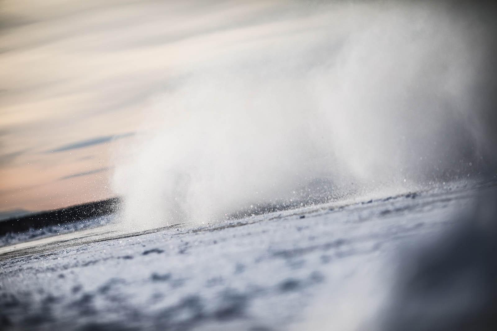 Новая шина Toyo Observe Ice-Freezer прошла испытания российским льдом