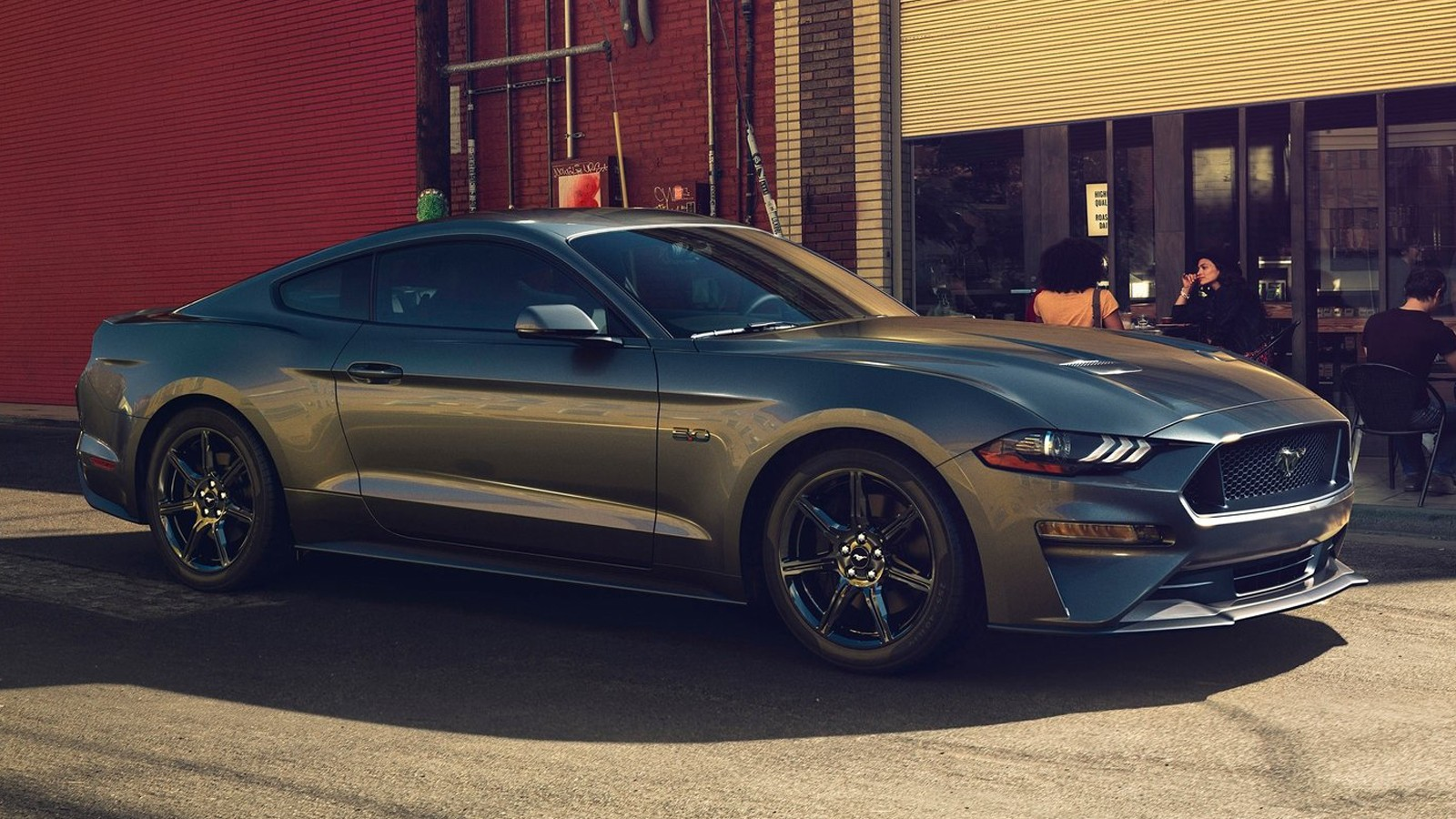 На фото: Ford Mustang GT`2018