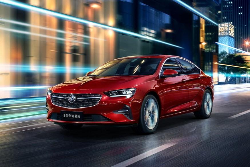 Opel Insignia в виде седана: с новым топовым мотором и пультом вместо традиционного рычага КП
