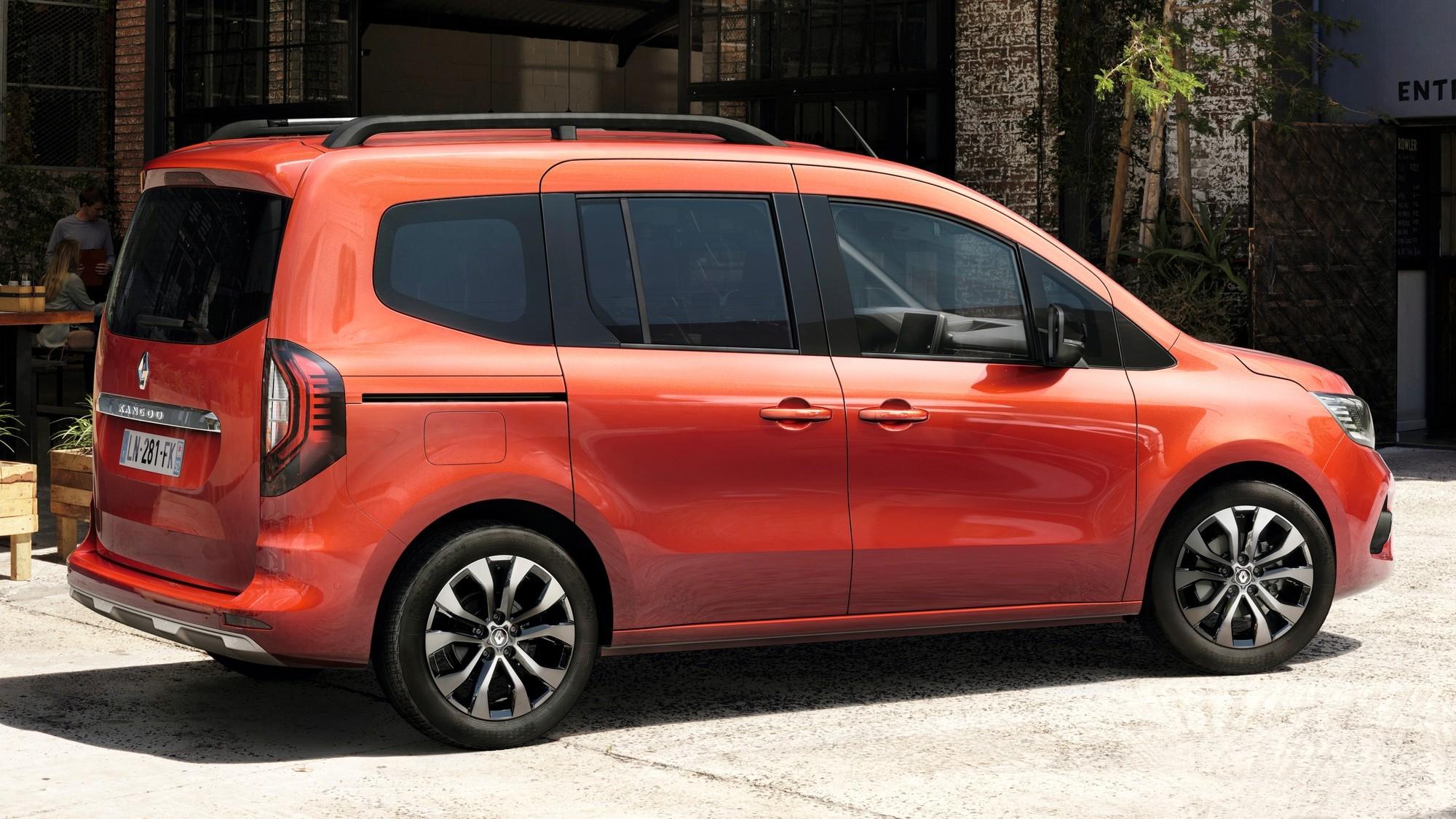 Новый Renault Kangoo: теперь и пассажирская версия, которая заменит компактвэн Scenic