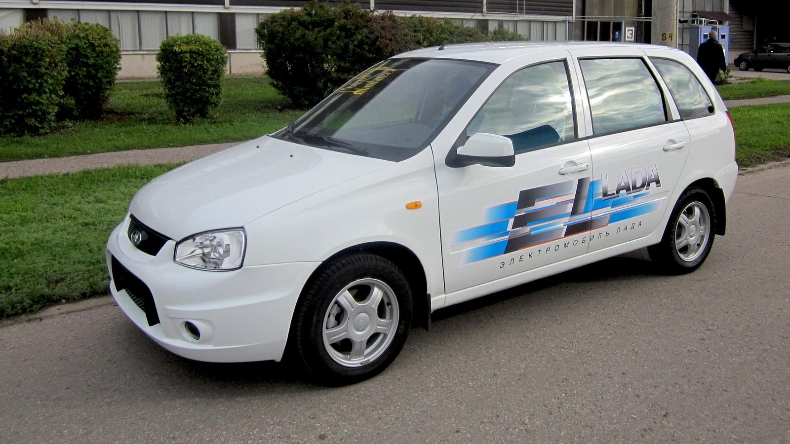 На фото: EL Lada '2012–13