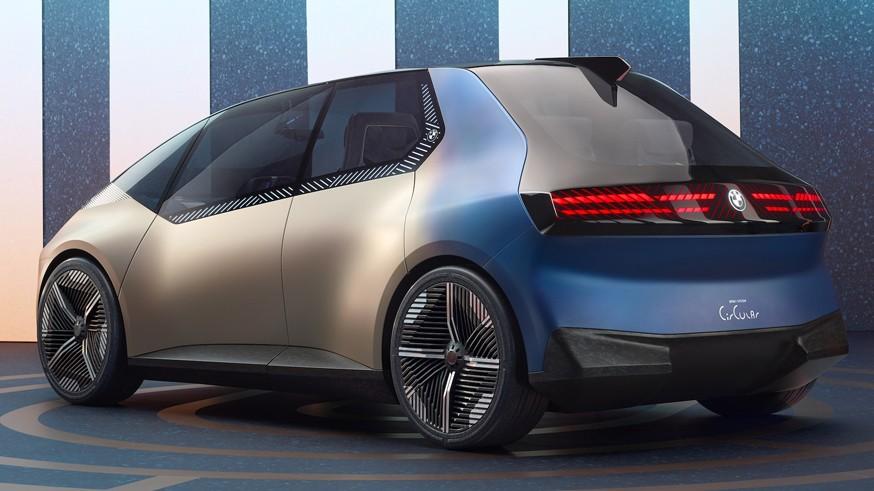 Другие фирменные «ноздри»: BMW акцентирует внимание на экологии с концептом i Vision Circular