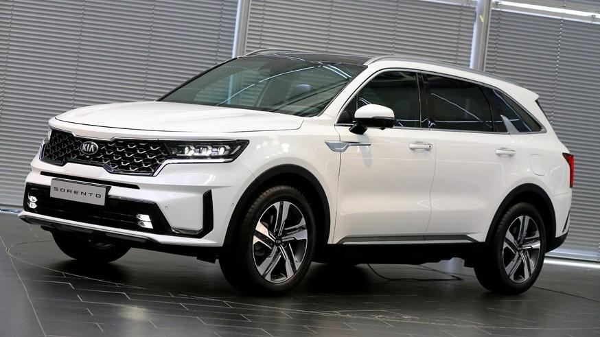 Kia раскрыла моторную гамму российской версии нового Sorento: на выбор бензин или дизель