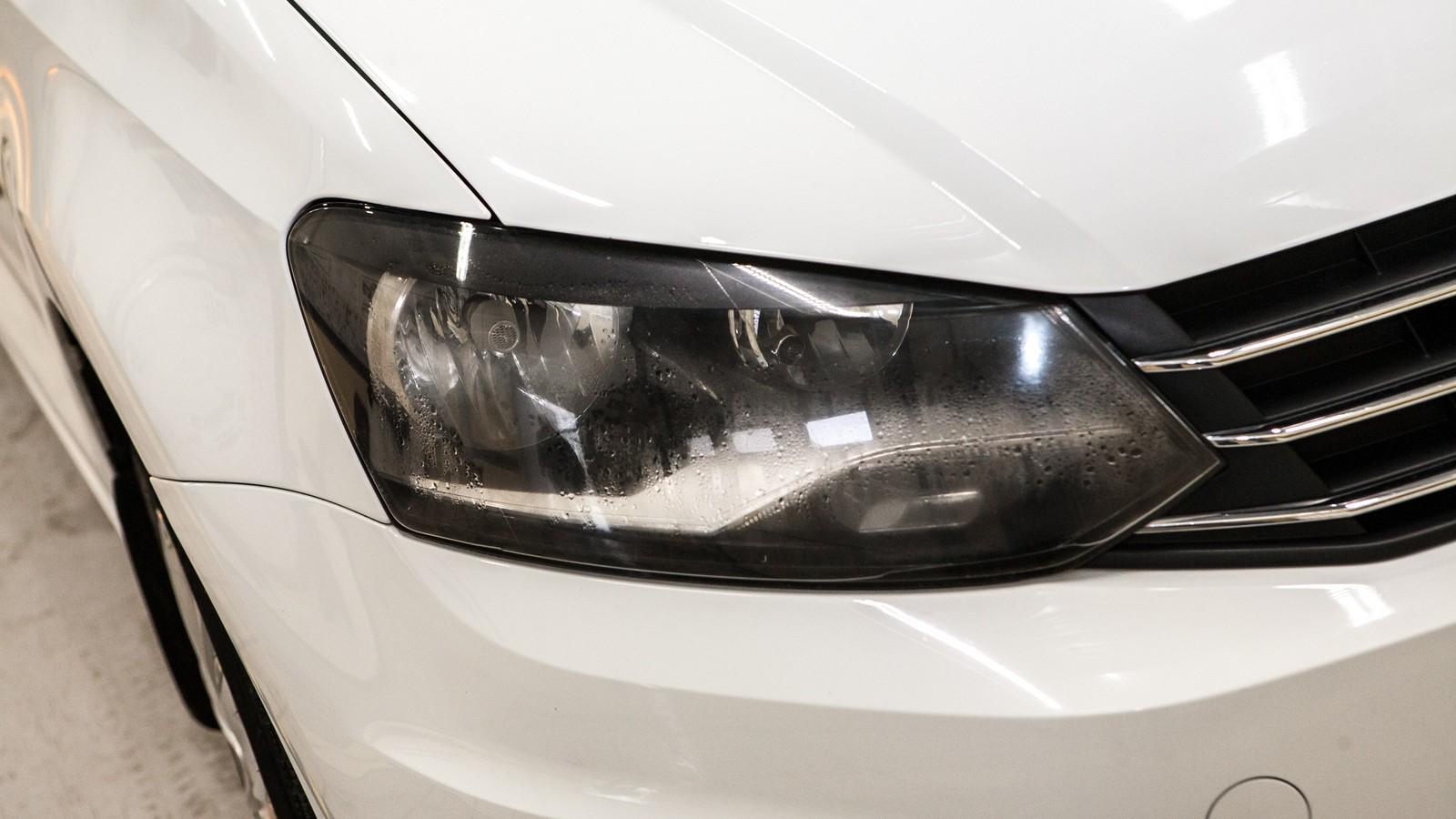VW Polo фара