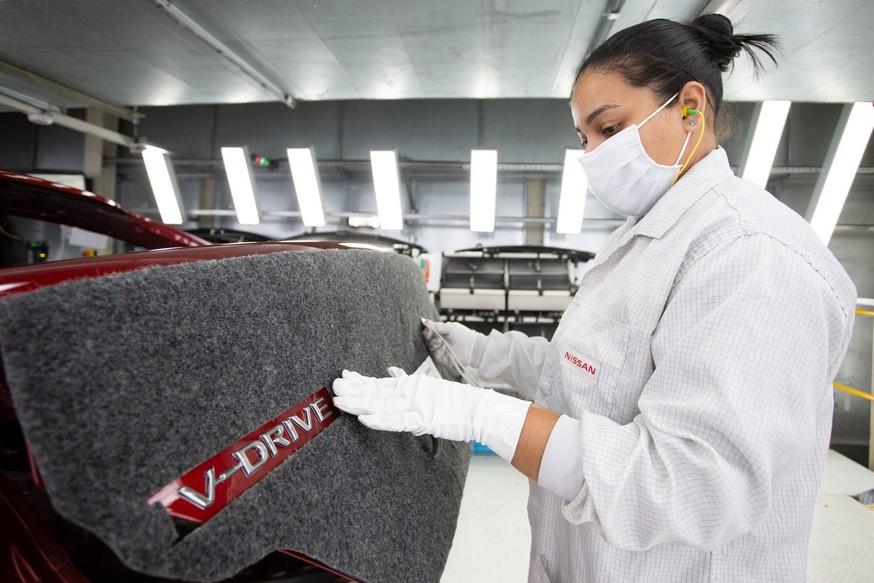 Nissan анонсировал седан V-Drive. Под новым именем скрывается старая модель