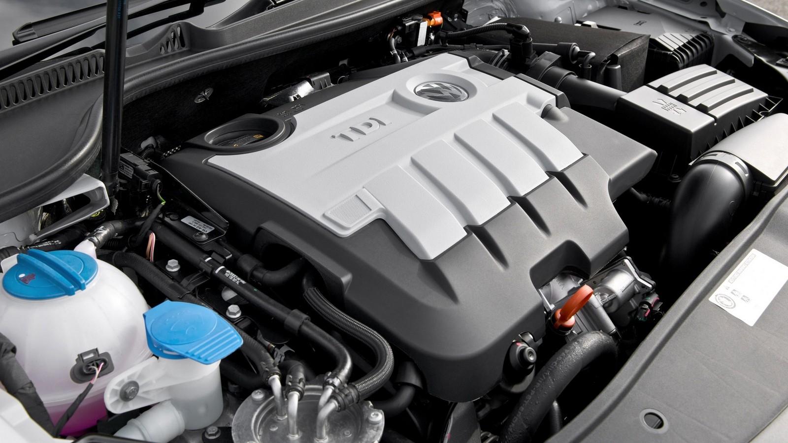 На фото: Под капотом Volkswagen Golf (Typ 5K) '2009–н.в.
