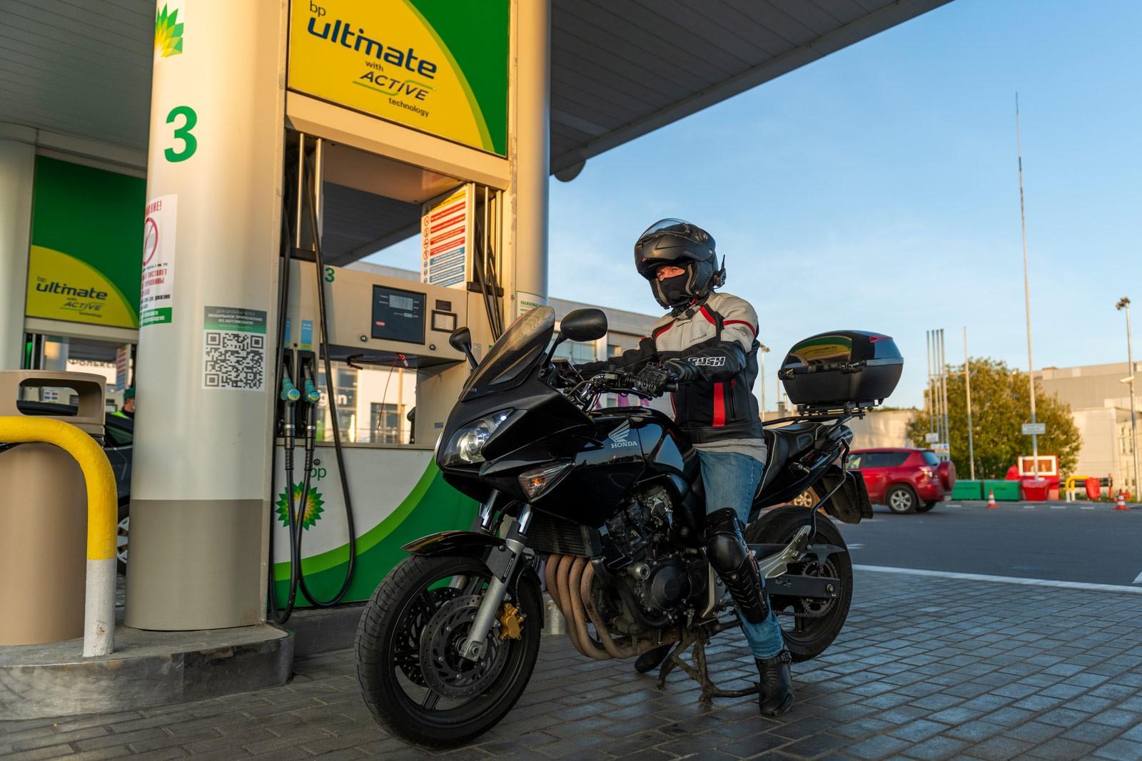 Для моторов с наддувом и непосредственным впрыском нужно особое топливо. Или это маркетинг? Разбираемся с bp