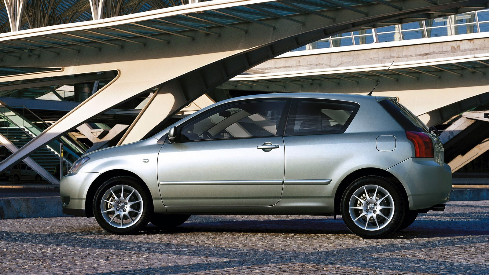 Toyota Corolla 3-door Worldwide '2001–04ч