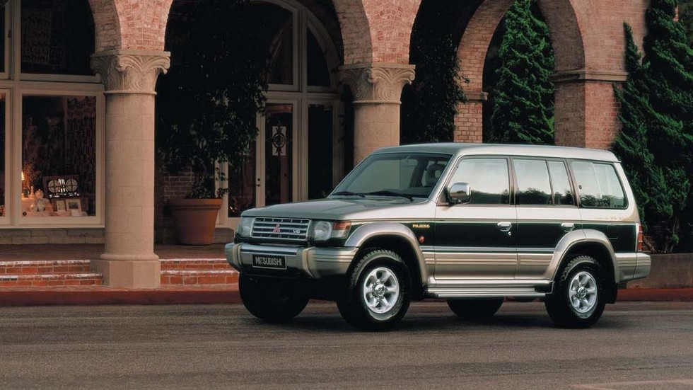 На фото: Mitsubishi Pajero Wagon '1991–97