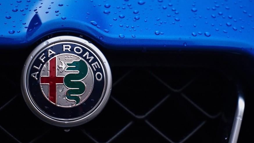 Alfa_Romeo-Stelvio_Quadrifoglio_US-Version-2018-1600-d6