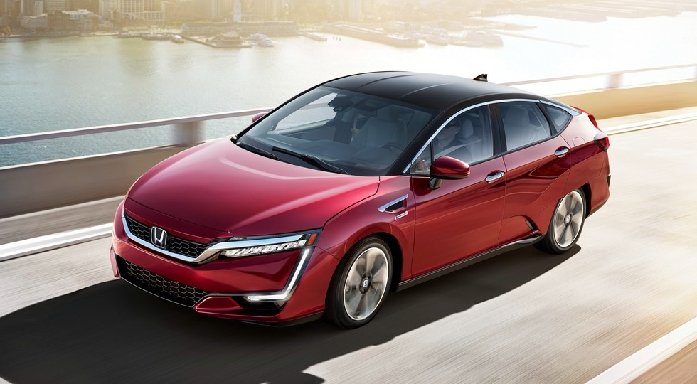 На фото: Honda Clarity Fuel Cell