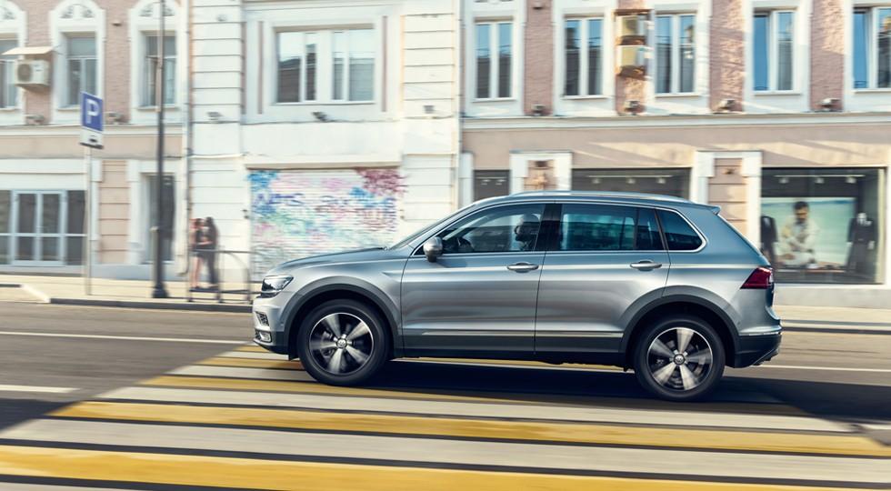 Volkswagen_Tiguan_(2)