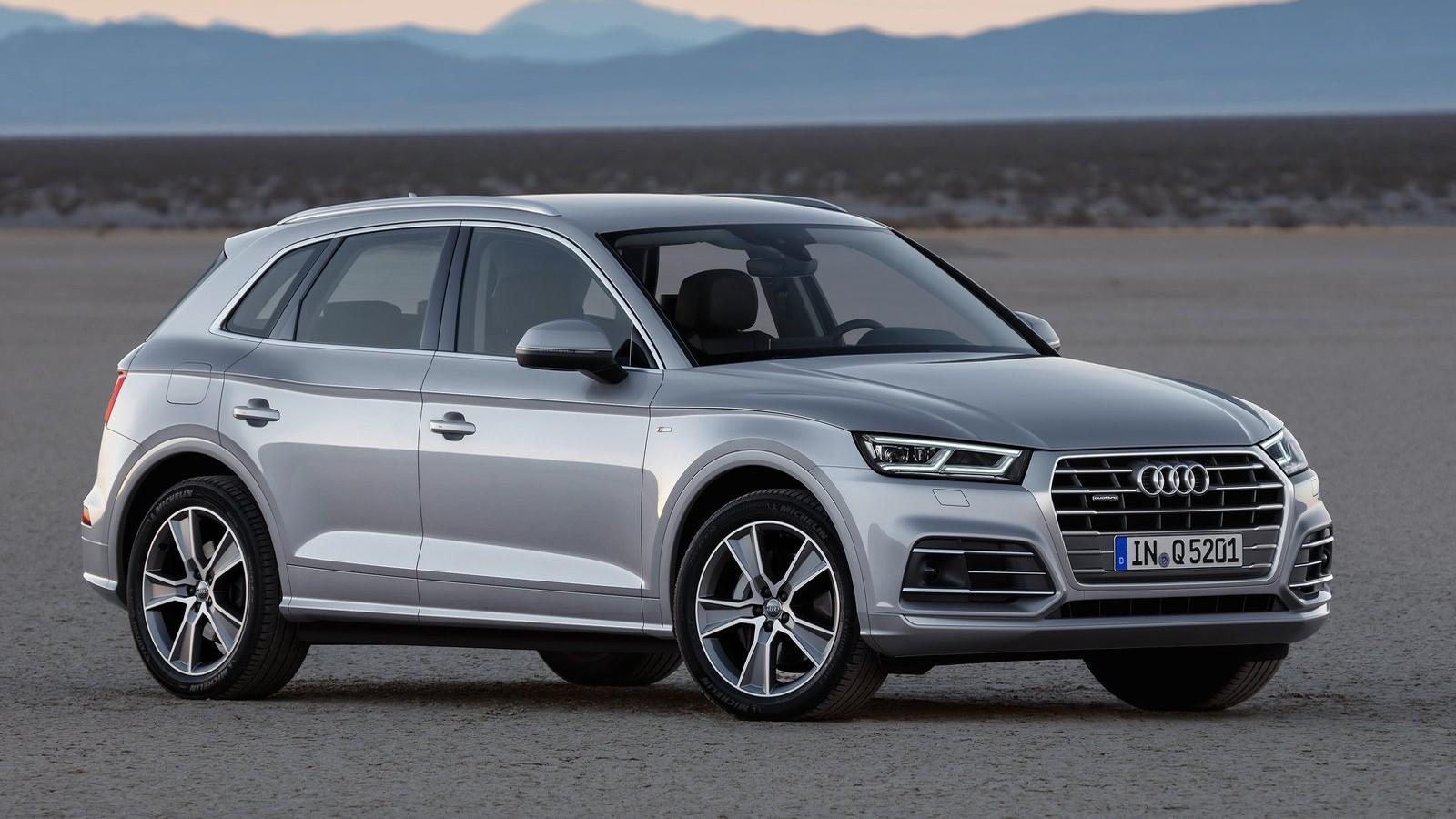 Передняя сторона Audi Q5