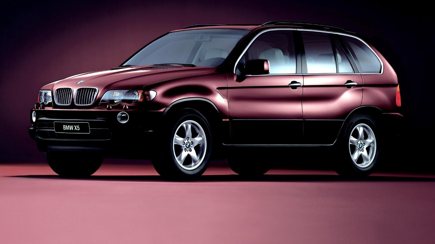 BMW X5 (E53) вид три четверти