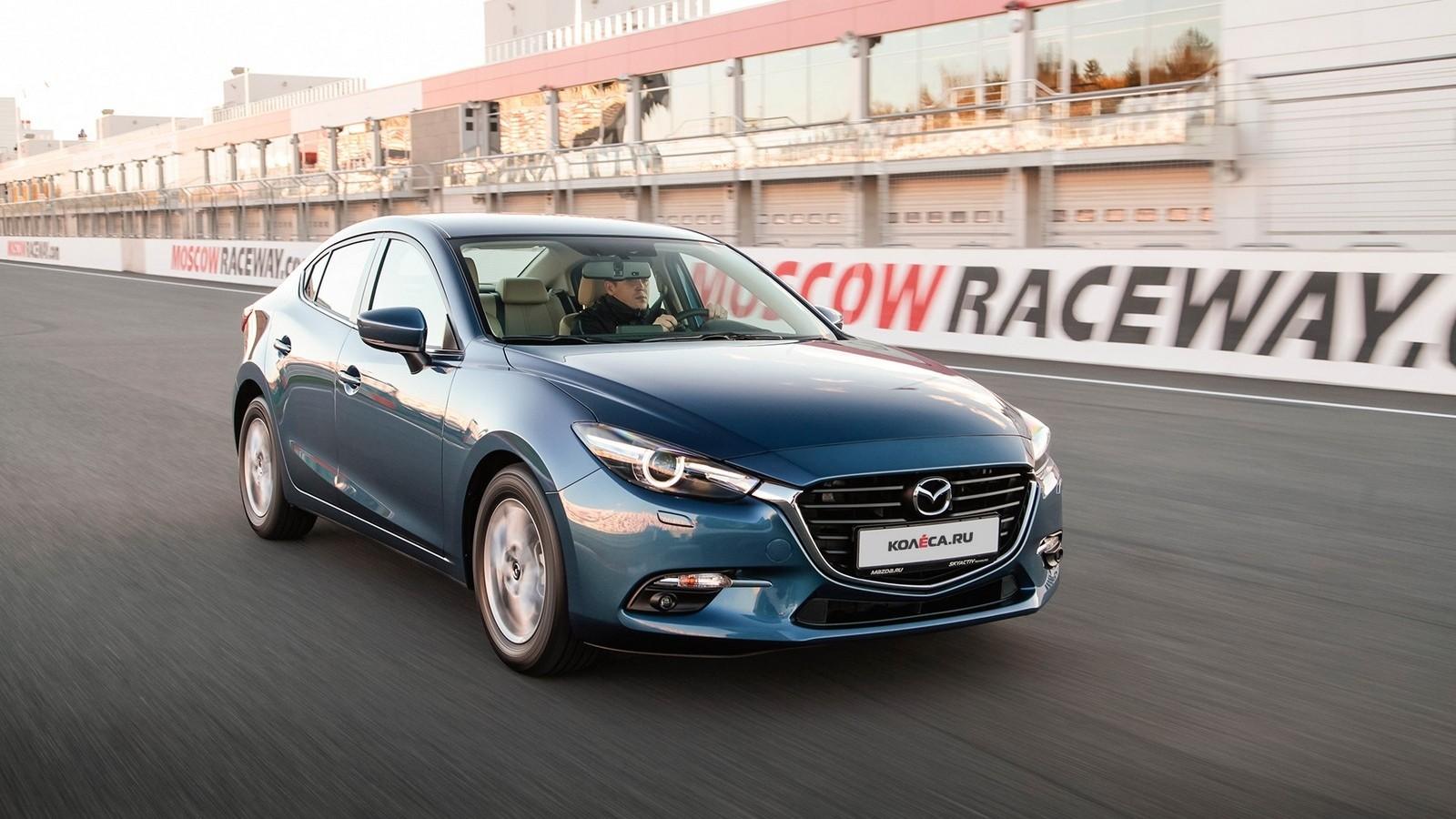Mazda3_IPM_action_022