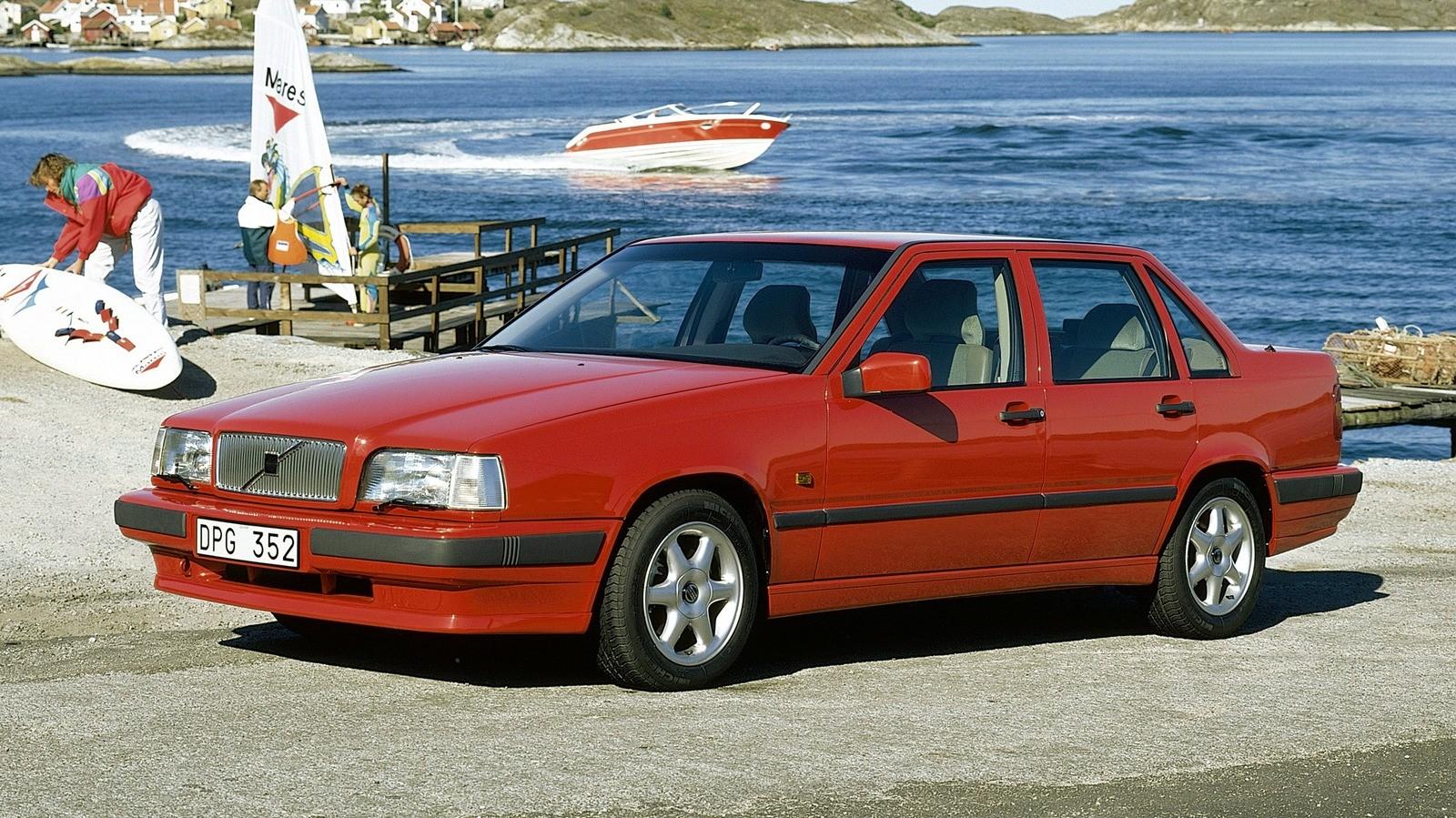 На фото: Volvo 850 '1991–93