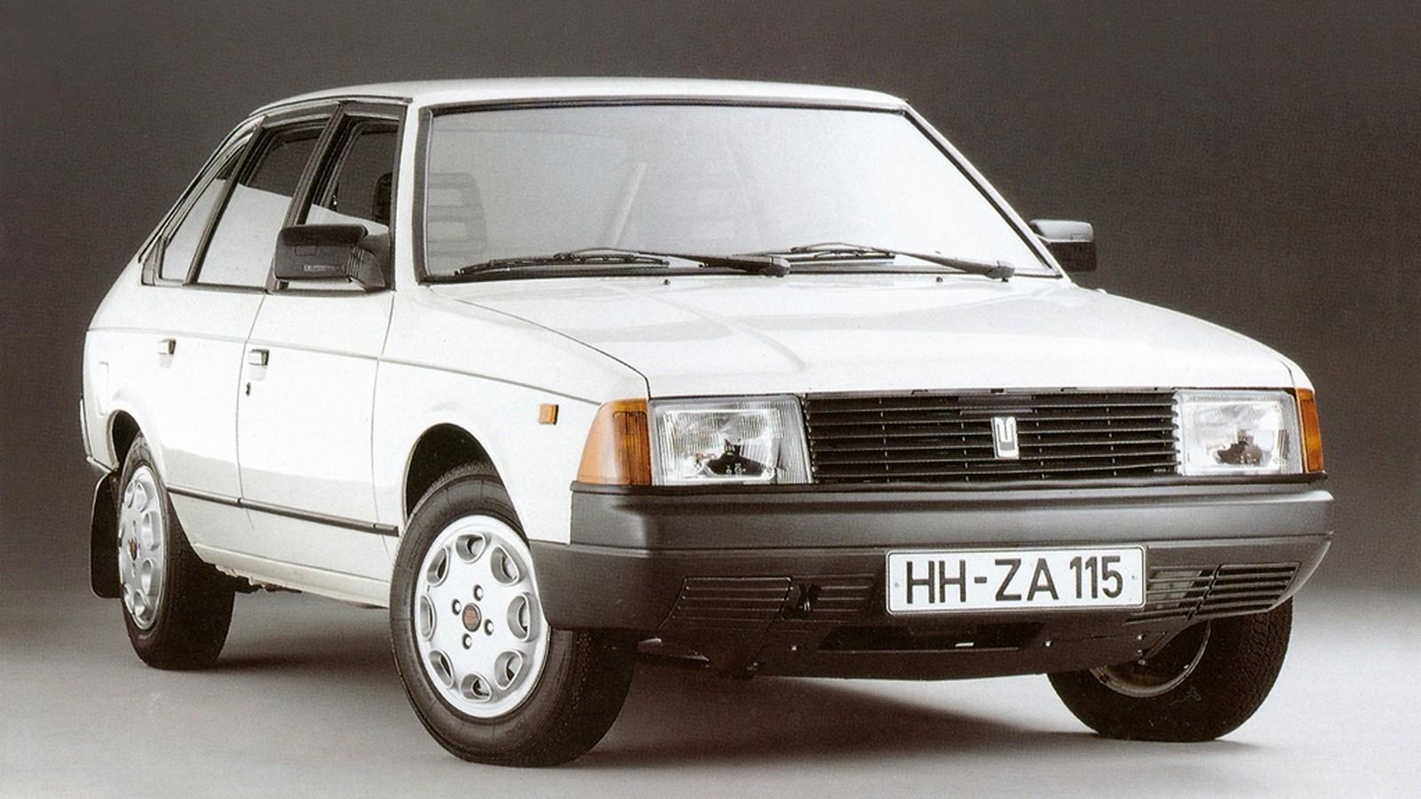 Для немецкого рынка «сорок первый» переименовали в… Lada Aleko! Причина проста – немцы просто не знали такую автомобильную марку, как Москвич, поэтому руководство «Автоэкспорта» решило, что под «чужой фамилией», да еще с дизельным двигателем, у машины будет больше шансов на рыночный успех. Не получилось.