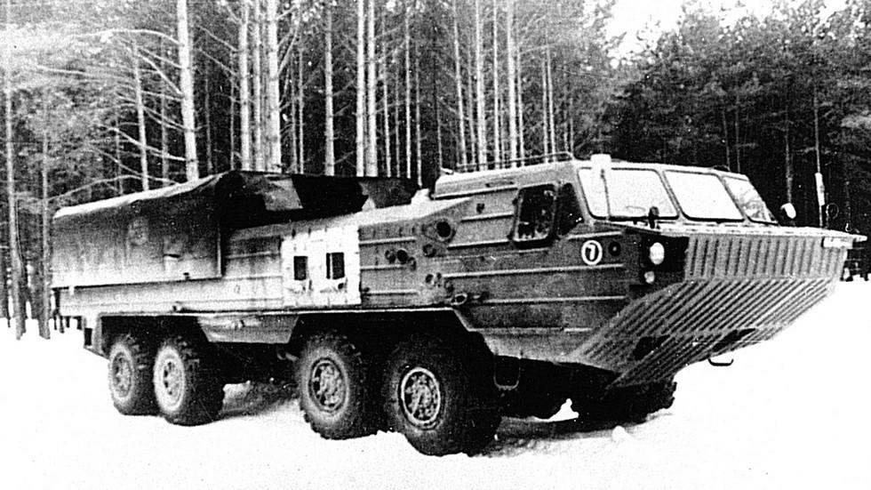 Третий прототип БАЗ-6944 с закрытым монтажным отсеком (из архива Н. Щербакова)