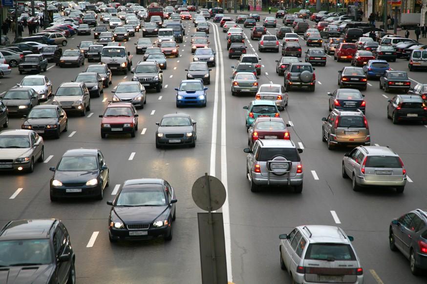 Поправки в ПДД: в России на дорогах появится новый знак